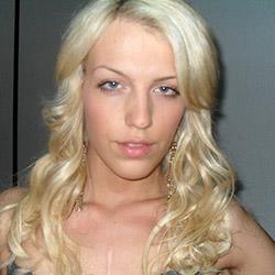 Jolie fille aux yeux bleu pour rencontre sexy
